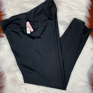 NWT Victoria's Secret Sport Black Leggings Large